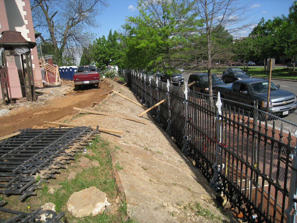 Fence--Installing fence along Pennsylvania Avenue - April 29, 2011
